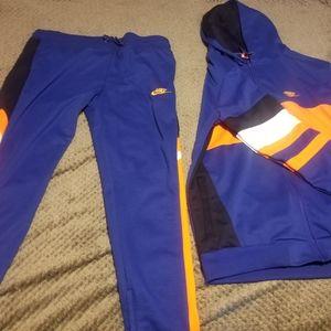 3x Nike sweatsuit